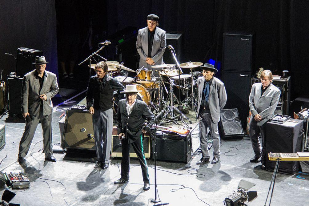 Bob Dylan met zijn band in 2012, Buenos Aires, Argentinië.