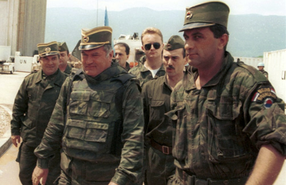 11.07.08.Bosnie vrieden vijanden - mladic-sarajevo1993