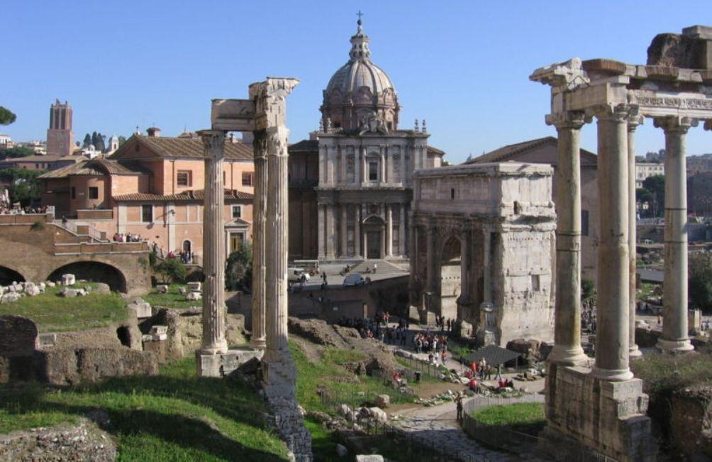 Tempel van Concordia op het Forum Romanum in Rome. Deze tempel werd gebouwd door  Gaius Gracchus om de overwinning van de aristocratie op het plebs te vieren.