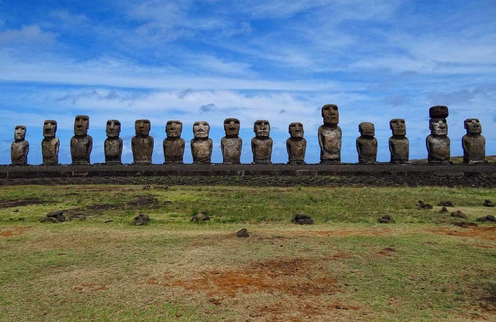 11.09.14.Paaseiland - moai restauratie2