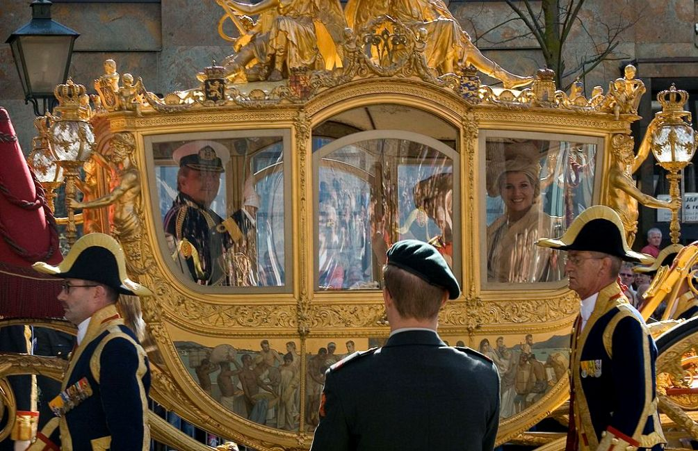 William-Alexander, Máxima en Beatrix in de Gouden Koets op Prinsjesdag 2007.