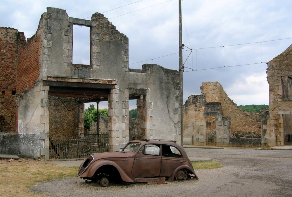 Foto: Het lijkt alsof Oradour-sur-Glane vorige week vernietigd is. Een ruïne waar de tijd sinds die verschrikkelijke dag in 1944 stil is blijven staan