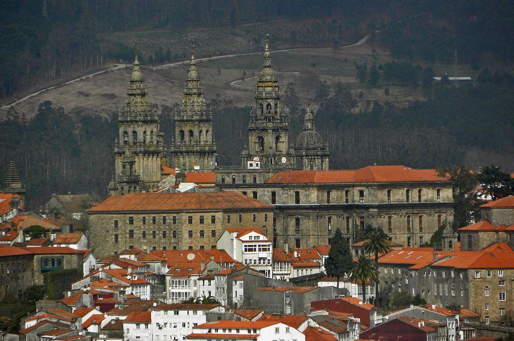 Zicht op de kathedraal van Santiago de Compostella. (foto: Wikimedia)