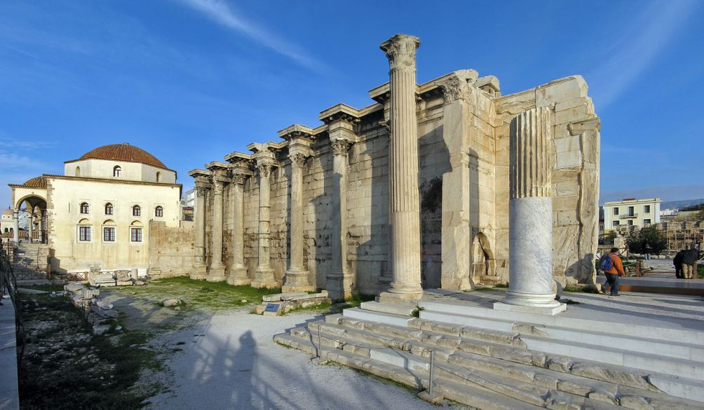 Restant van de bibliotheek van Hadrianus in Athene. (foto: Wikimedia)