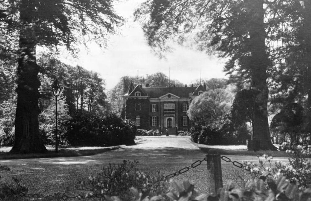 Huis Doorn in 1925, toen Wilhelm II op het landgoed woonde. (foto: Bundesarchiv)