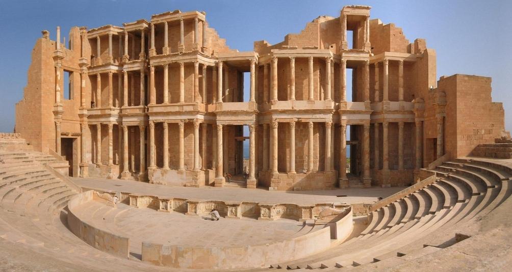 Het theater van de Romeinse stad Sabratha in Libië is uitstekend bewaard gebleven (foto: Wikimedia). Bekijk meer foto's van Sabratha op Flickr.com