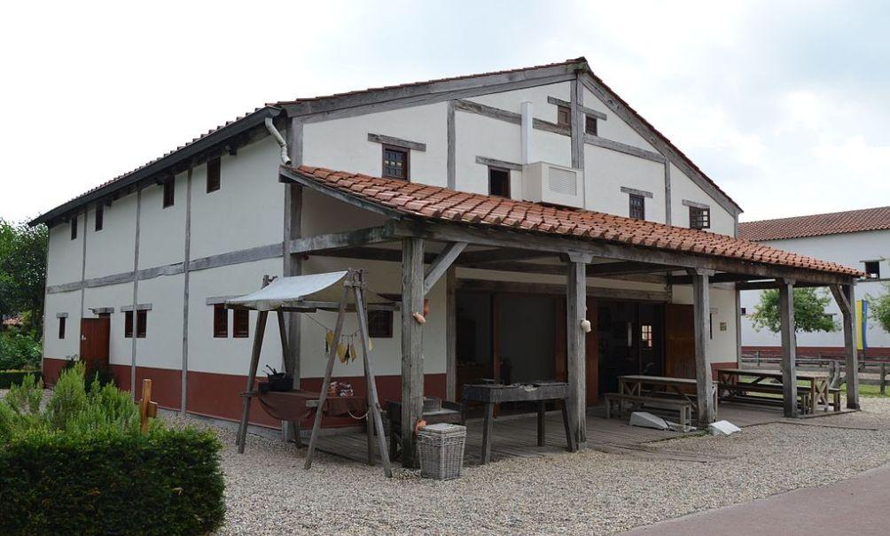 12.04.10.Forum Hadriani - huis