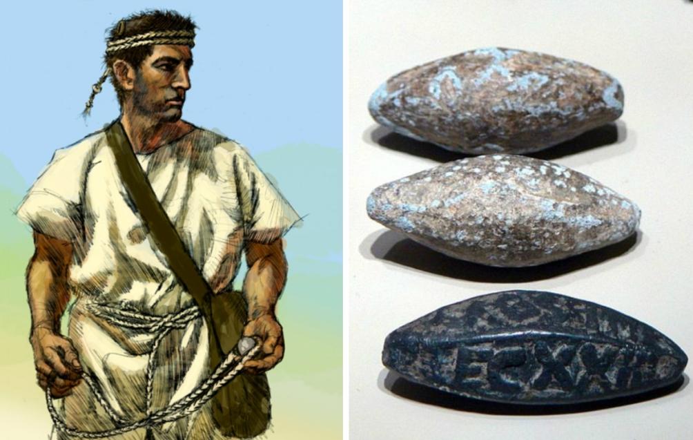 Links: impressie van een slingeraar van de Balearen. (foto: Johnny Shumate, Wikimedia) Rechts: Romeinse loden slingerkogels. De onderste kogel draagt de naam van het legioen waartoe die behoorde. (foto: Wikimedia)
