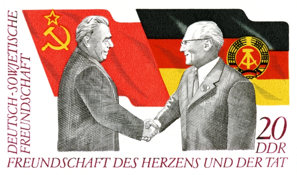 Postzegel uit 1972 van de DDR en Erich Honecker met Leonid Brezjnev
