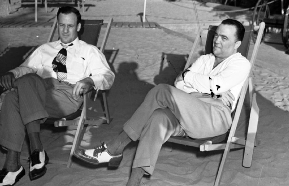 J. Edgar Hoover en zijn assistent Clyde Tolson, circa 1939.