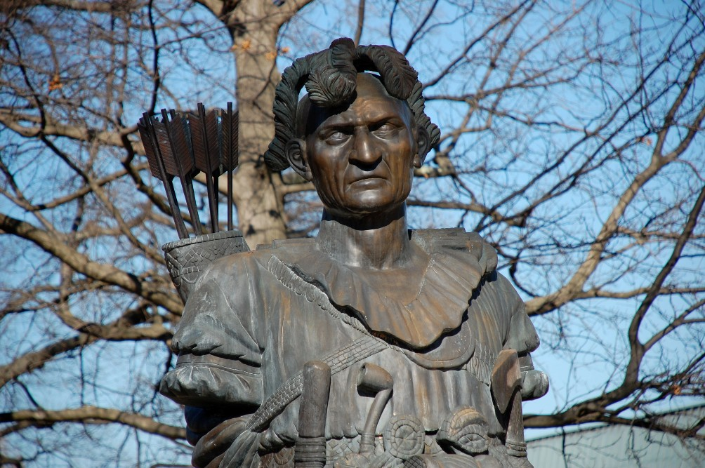 Tegenwoordig staat Tecumseh op de lijst van nationale helden van de VS en zijn er standbeelden voor hem opgericht. Dit standbeeld staat in  Annapolis, Maryland.