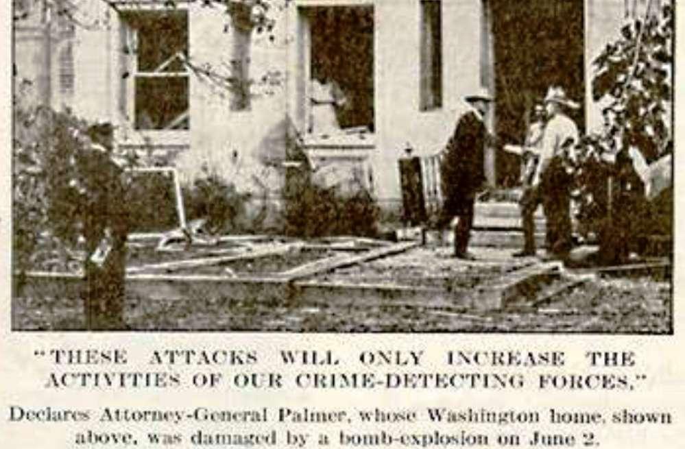 Krantenbericht naar aanleiding van de bomaanslag voor de deur van minister van justitie Palmer.