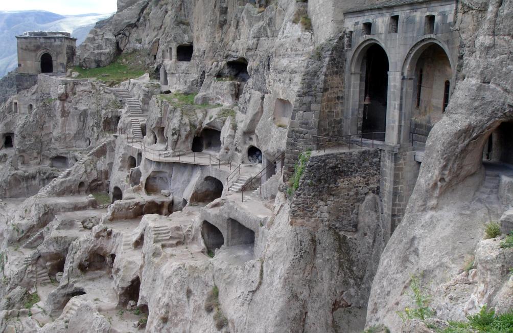 Georgie-Grottensteden-vardzia