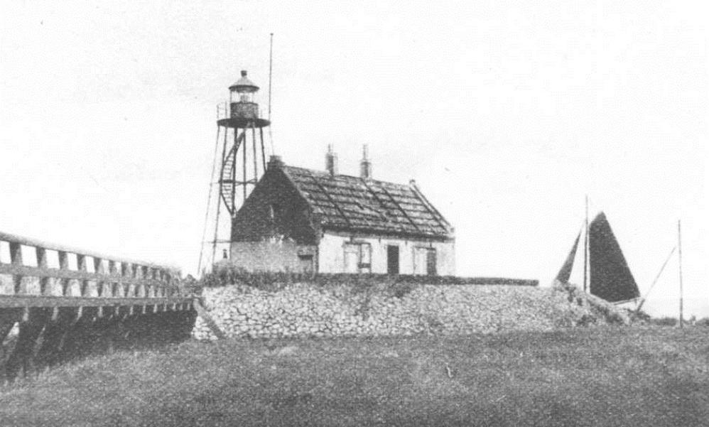 Lichtwachterswoning en vuur op de zuidpunt van het noorden gezien. Uit: Katholieke Illustratie van 1931. -  (Fotocollectie Nieuw Land, RIJP; J. Potuyt 9042283)