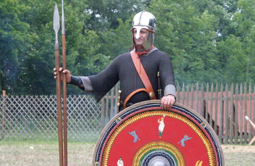 Romeinse soldaat uit de noordelijke provinciën, eind derde eeuw. (foto: Wikimedia)