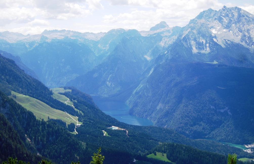 Het adembenemende uitzicht vanaf de Obersalzberg (foto: Simone Timmermans)