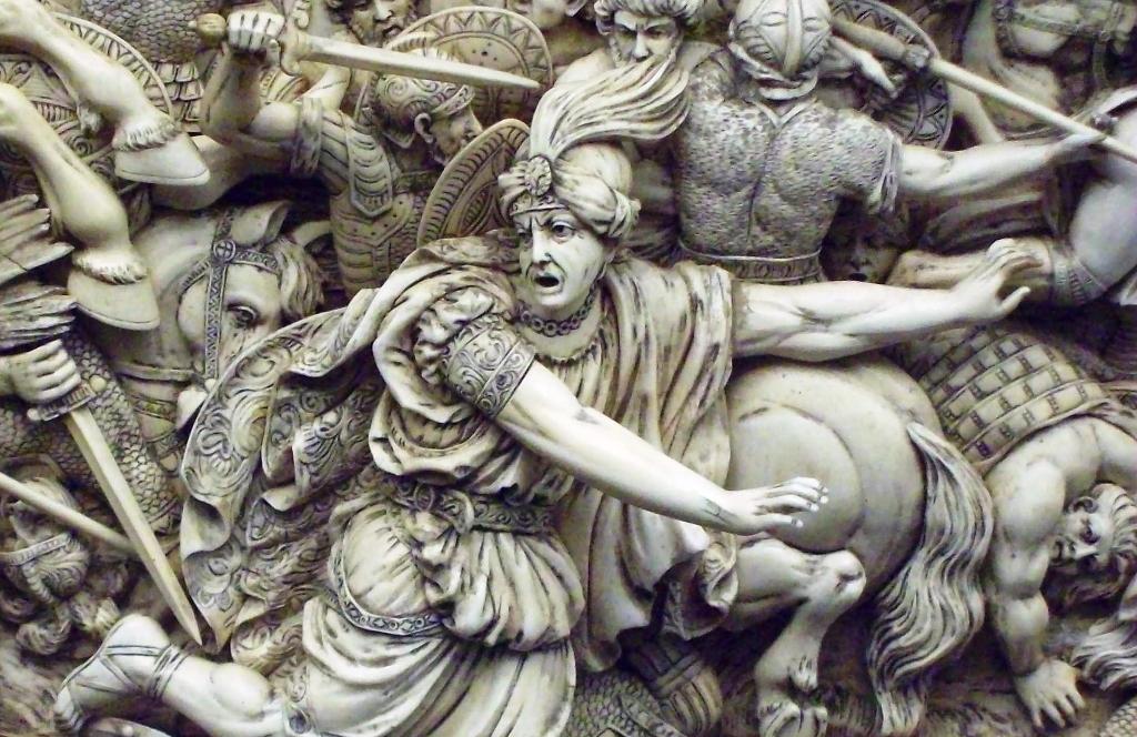 De vlucht van Koning Darius III tijdens de Slag van Gaugamela, op een ivoren reliëf waarop de Slag bij Gaugamela is afgebeeld  (foto: Wikimedia)