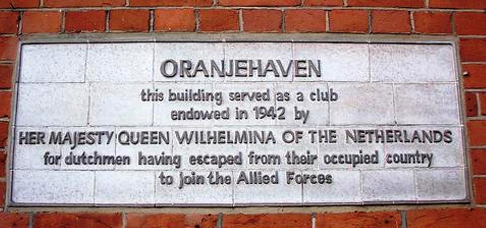 Oranjehaven was een sociëteit, die op initiatief van Koningin Wilhelmina, werd opgericht in London. Het was bedoeld als toevluchtsoord voor de ongeveer 1700 Engelandvaarders die een geslaagde overtocht achter de rug hadden (foto: Wikimedia)