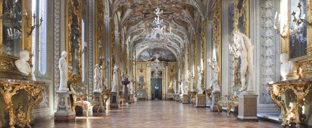 Pracht en praal omringen de bezoeker in Palazzo Doria Pamphili. (foto: dopart.it)