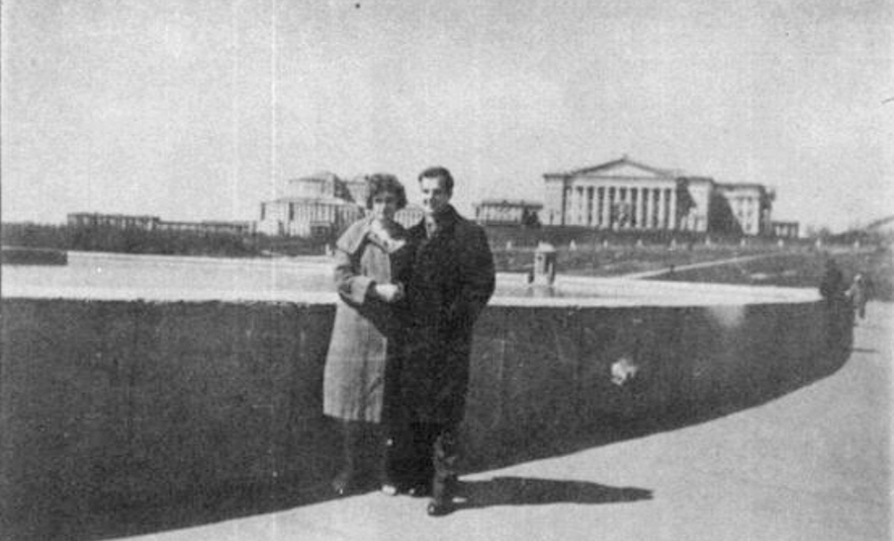 Lee Harvey Oswald verhuisde in 1959 naar de Sovjet-Unie. Hij woonde in Minsk met zijn Russische vrouw, Marina (foto: Wikimedia).
