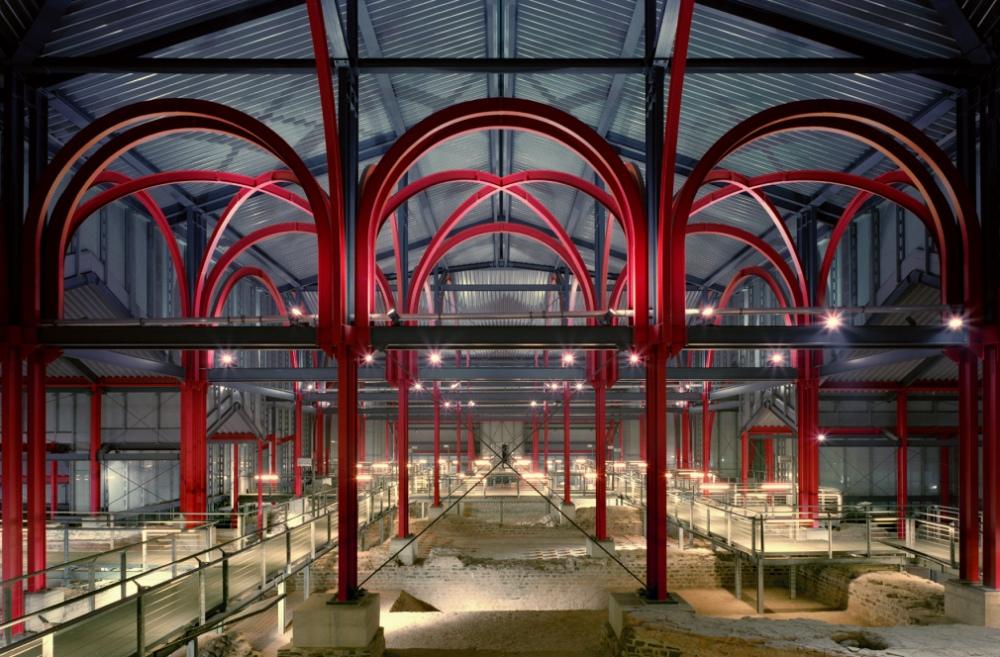 Onder het museum ligt de ontvangsthal van de Romeinse stadsthermen. In de kelders bij de garderobe is het muurwerk nog te zien. (Foto: Axel Thünker DGPh)
