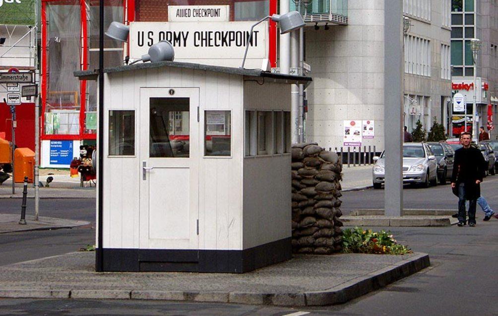11.08.13.Bezoek Berlijn Koude Oorlog - checkpoint