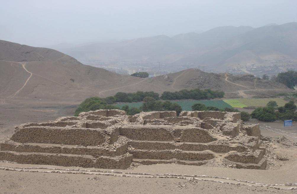 'Huaca El Paraiso' in Ventanilla, is een van de oudste pre-Inca-tempels in Peru. (foto:Wikimedia)