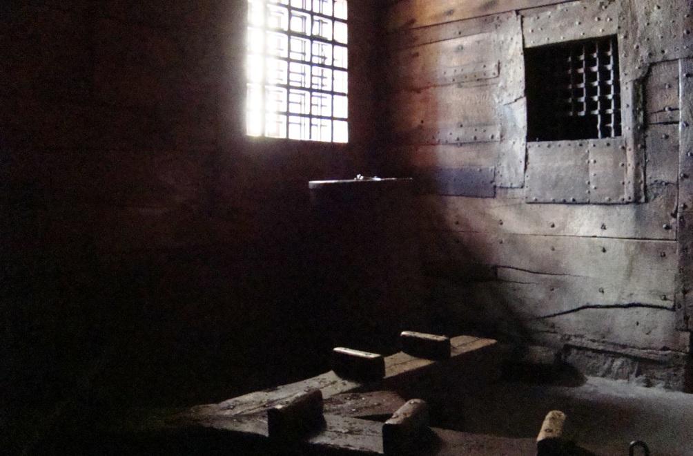 Cel in gevangenis Het Steen (foto: Diana Pereira / Museum Het Prinsenhof Delft)