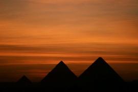 Egyptische piramiden: tussen woestijn en wereldstad