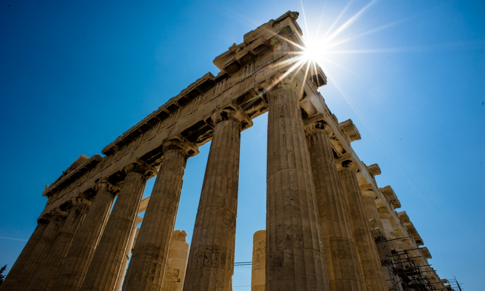 Parthenon in de zon
