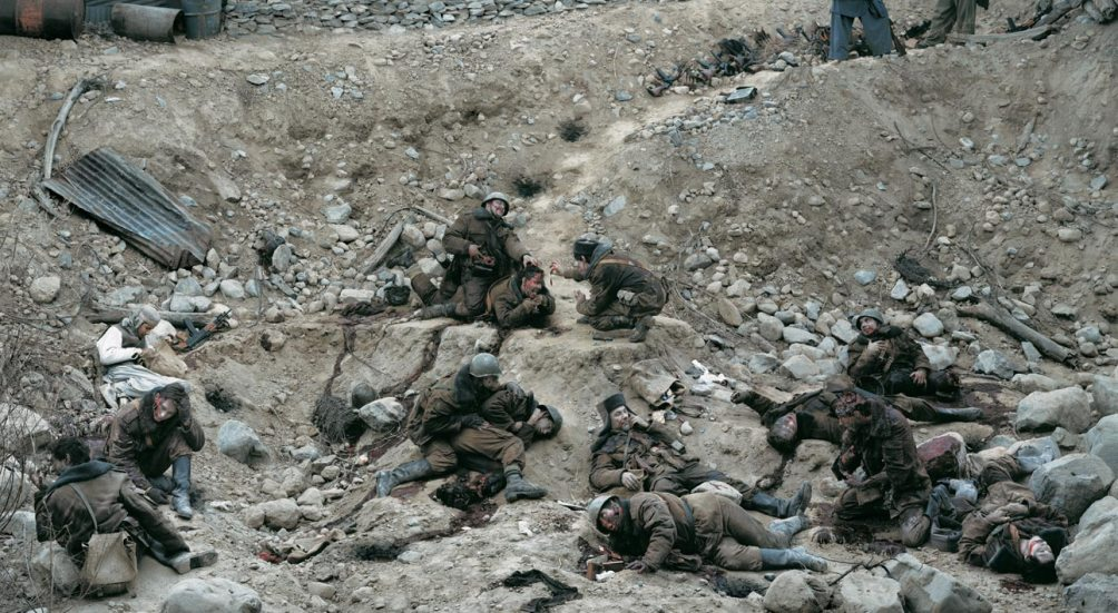 De fotomontage van Jeff Wall met de titel Dead Troops Talk