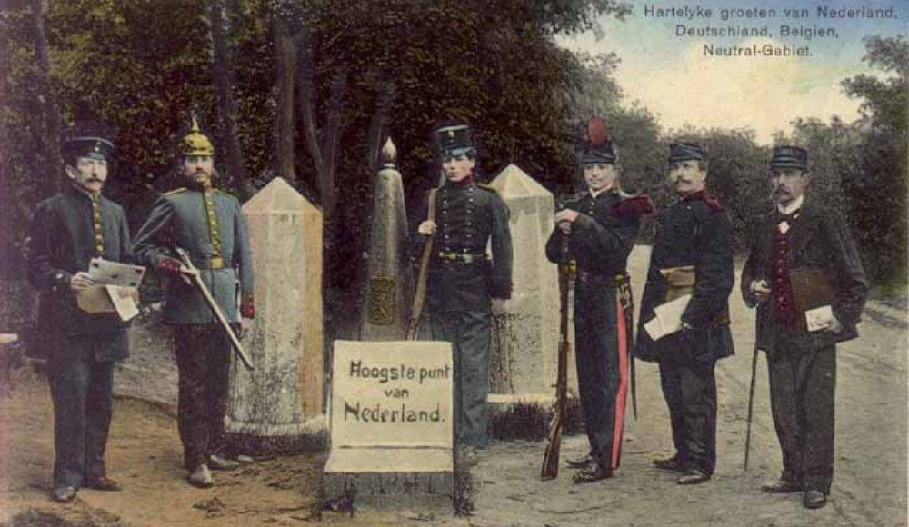 Hartelijke groeten uit Duitsland, Holland, België en Neutraal Gebied, zo staat geschreven op deze oude ansichtkaart van het grensgebied rond het (toen nog) Vierlandenpunt. (foto: Wikimedia)