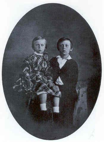 Maurits met zijn oudere broer Willem in 1849. (foto: Wikimedia)