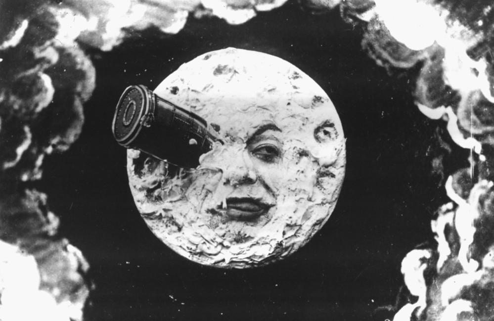 Beroemd beeld van de raketlanding in het oog van de maan uit Georges Méliès' stille film Le Voyage dans la Lune. (foto: Wikimedia)