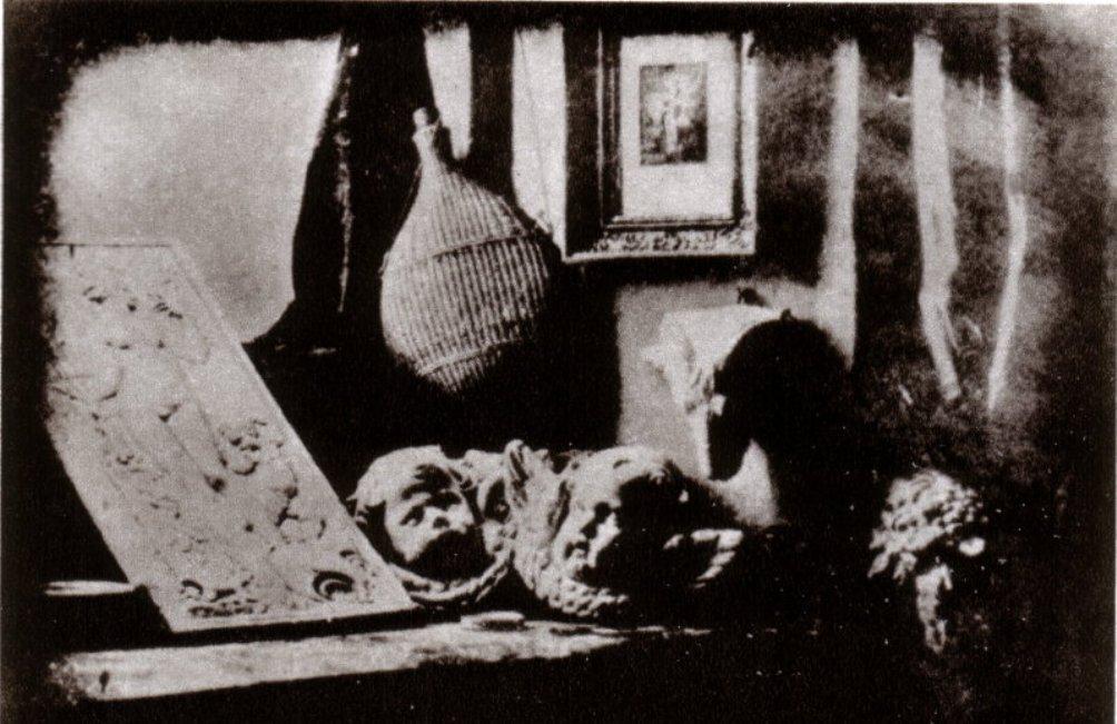 De werkkamer van Daguerre, de eerste daguerrotypie uit 1837. (Foto: Wikimedia)