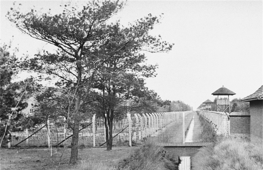 Kamp Vught in 1945 (foto: Wikimedia)