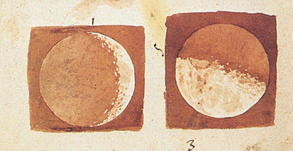 Foto: tekening door Galileo Galilei van de verschillende fasen van de maan
