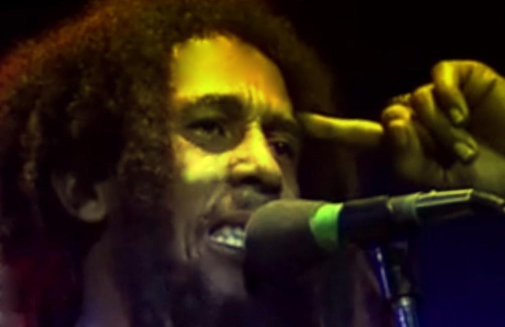 Bob Marley tijdens een concert in Stockholm in 1978. (foto: Wikimedia)