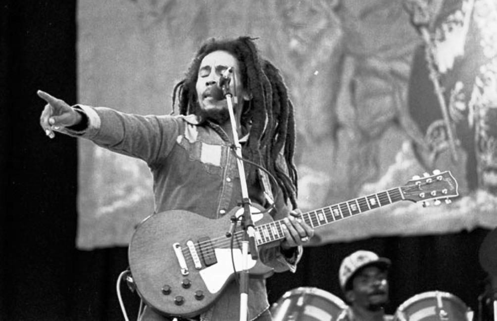 Bob Marley tijdens een concert in Ierland in 1980. (Foto: Wikimedia)